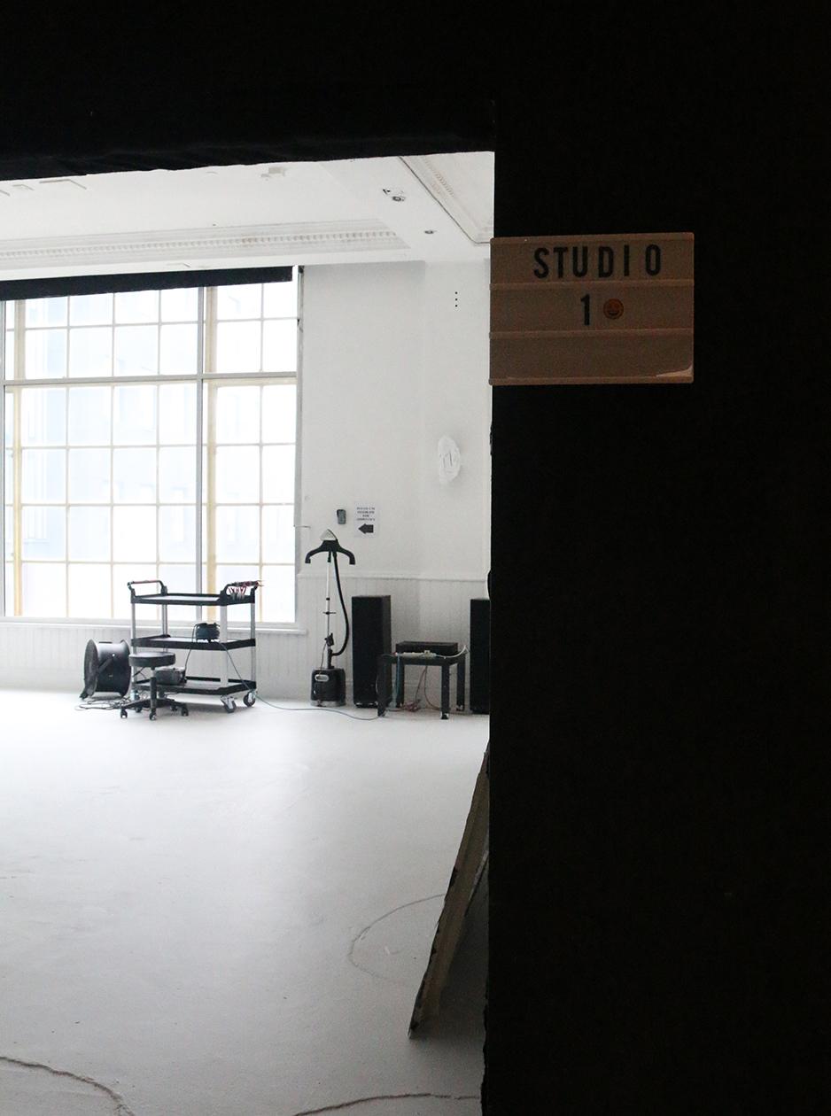 Gallery-PSStudio-BTS-1-Thumb